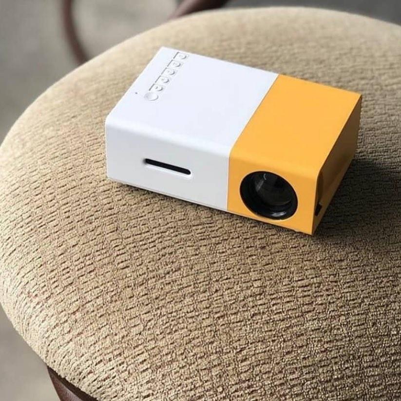 home projector - dorm room ideas