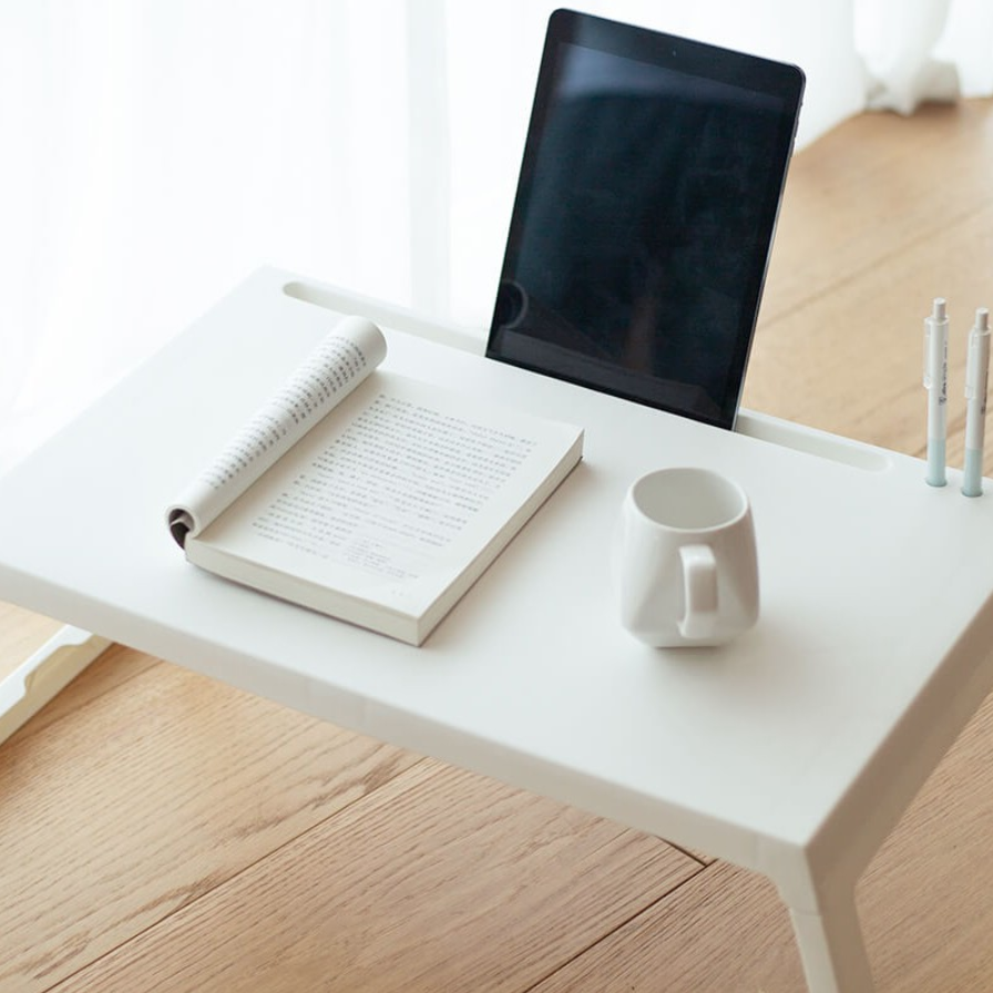 The Xiaomi Jazy is a good option for those looking for a minimalist folding table that is lightweight.