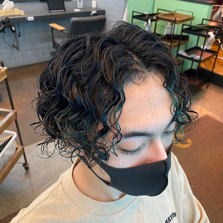 wavy side part