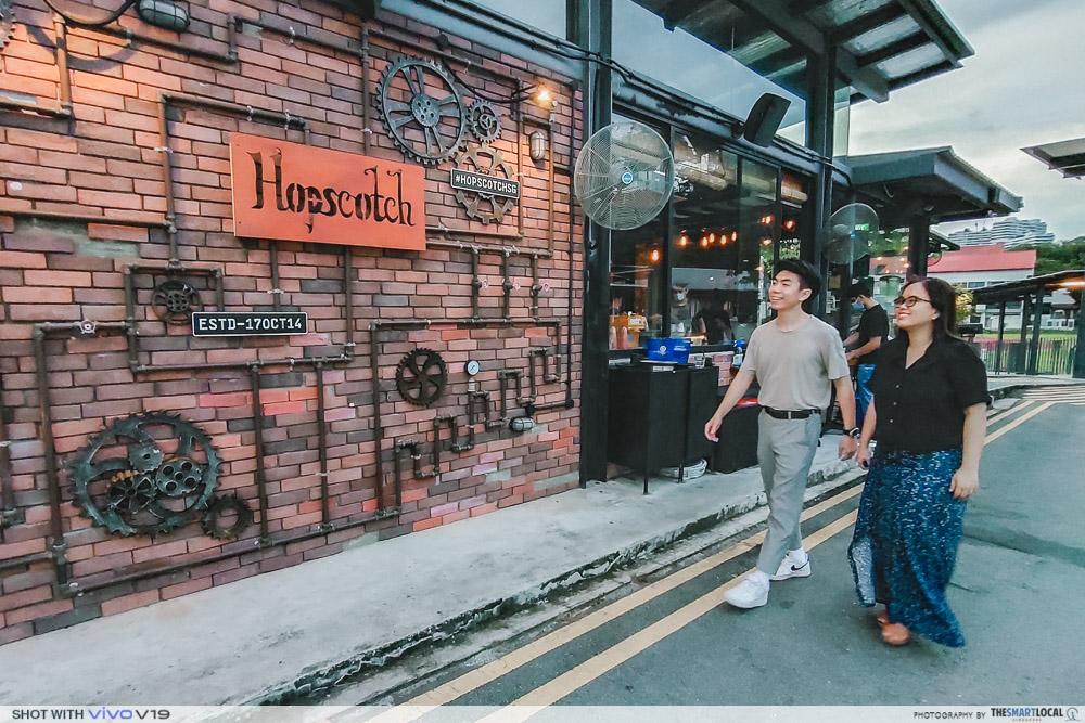 Quiet bars in Singapore - Hopscotch