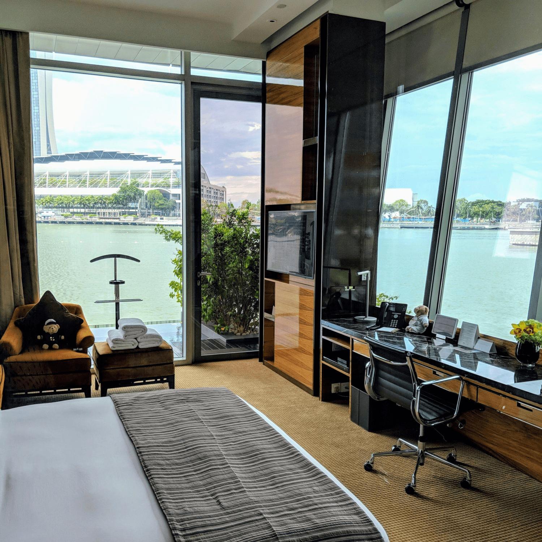 Fullerton Bay Hotel - Room