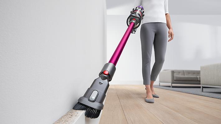 cordless vacuum cleaner - dyson v11 brush