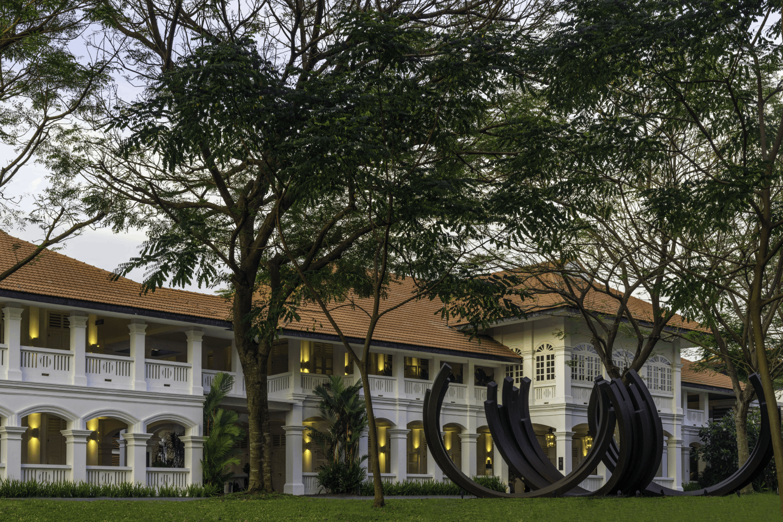 capella singapore courtyard