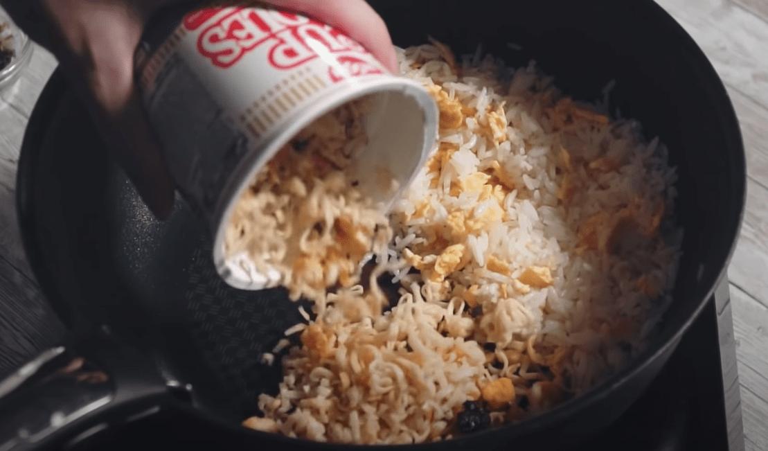 Food Grocery Hacks - Instant Noodle Fried Rice