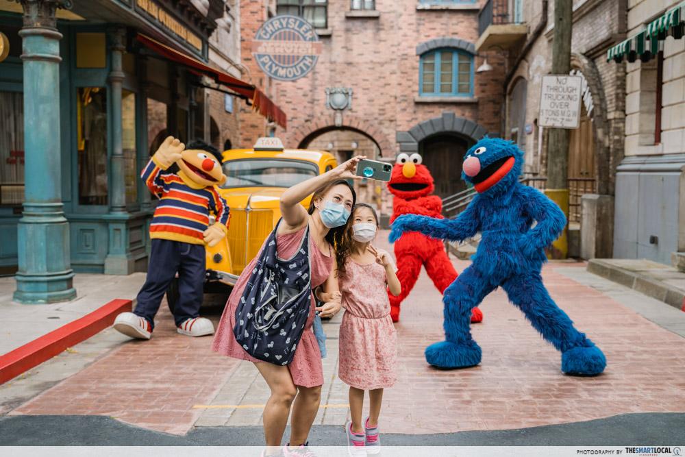 RWS Universal Studios Singapore Sesame street meet and greet