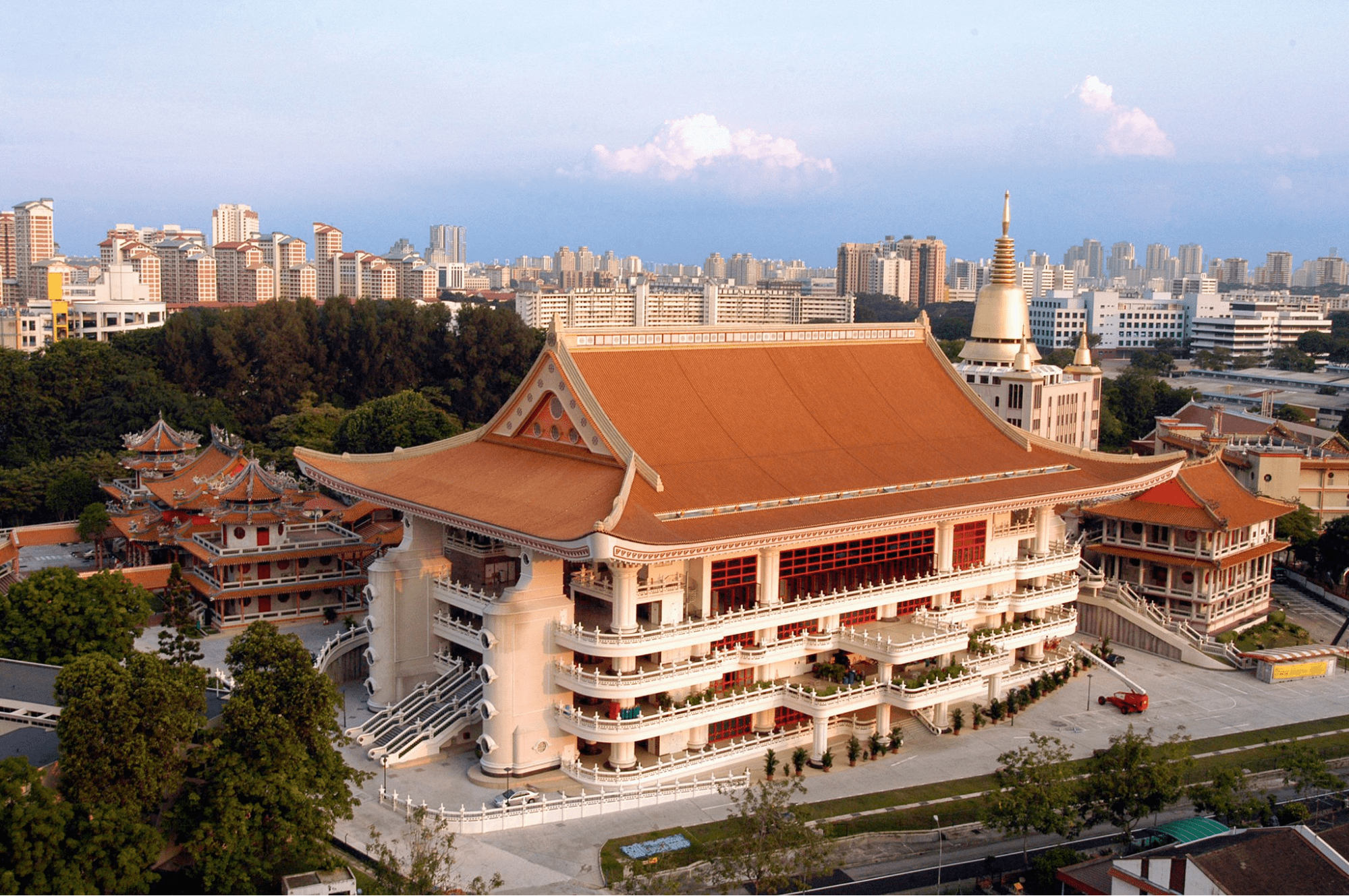 Singapore Road Trip Ideas - Bright Hill Temple Monastery