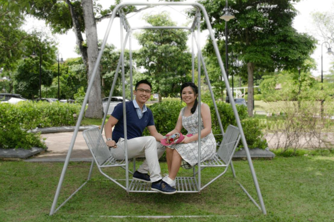 Tun & Yan Ning - Swing Set