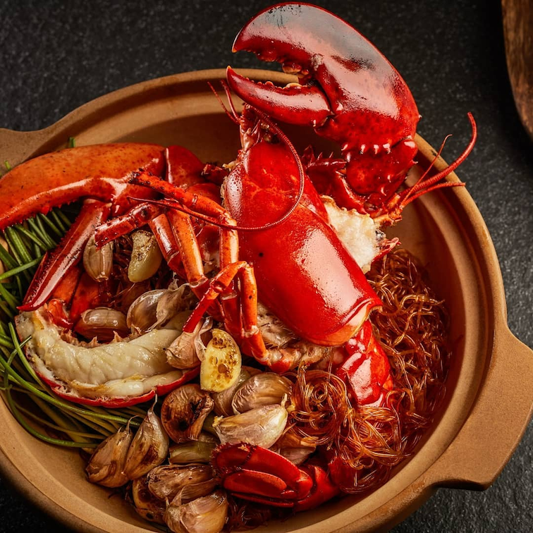 august 2020 deals - live lobster and alaskan crab 1-for-1 at Jumbo Seafood,
