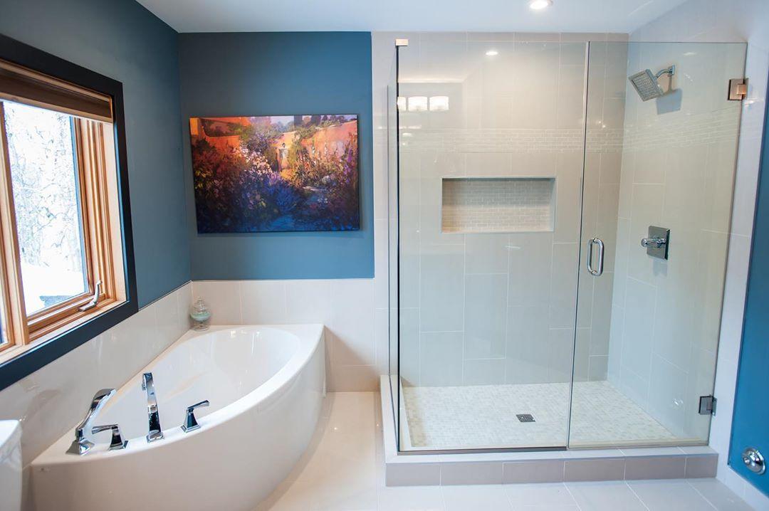 Bathtub for HDBs Singapore - Corner tub