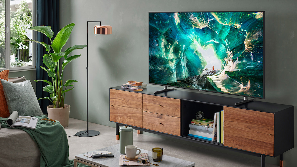 best smart tvs in singapore - the Samsung R8000 is the best for sports and gaming.