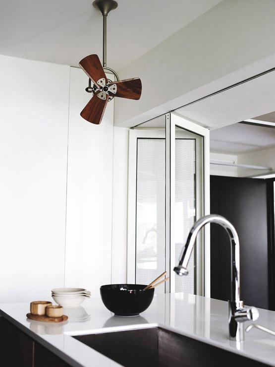 A small ceiling fan option is the Vento Fino corner fan