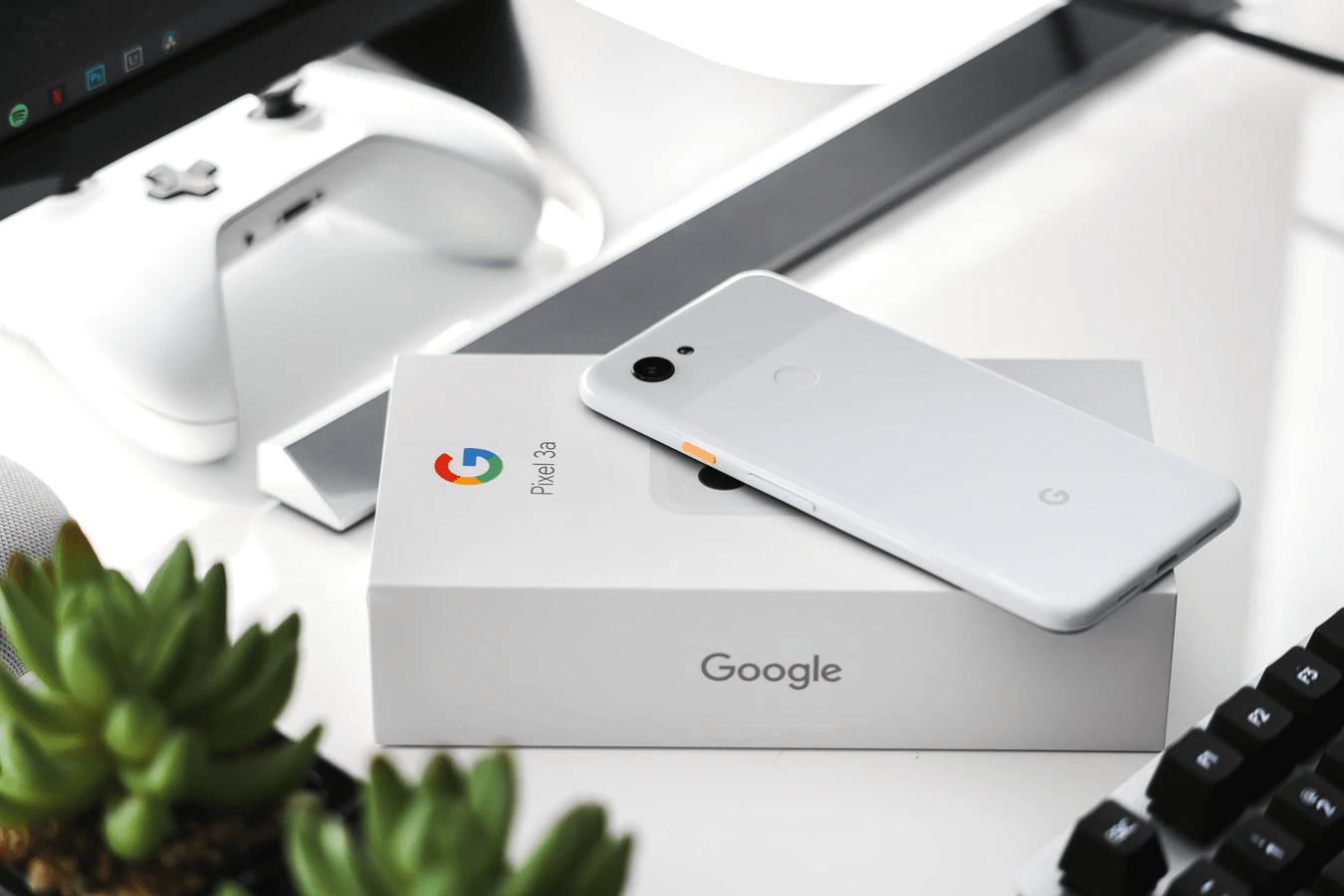 google pixel 3a - white
