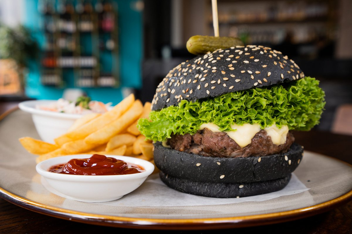 Family-friendly restaurant Rock Bar Burger and Steakhouse serves up affordable burgers