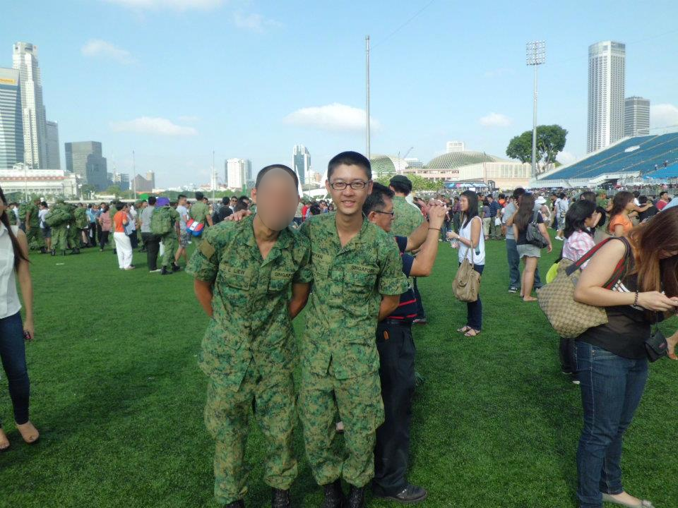 skinny-guy-singapore - passing out parade