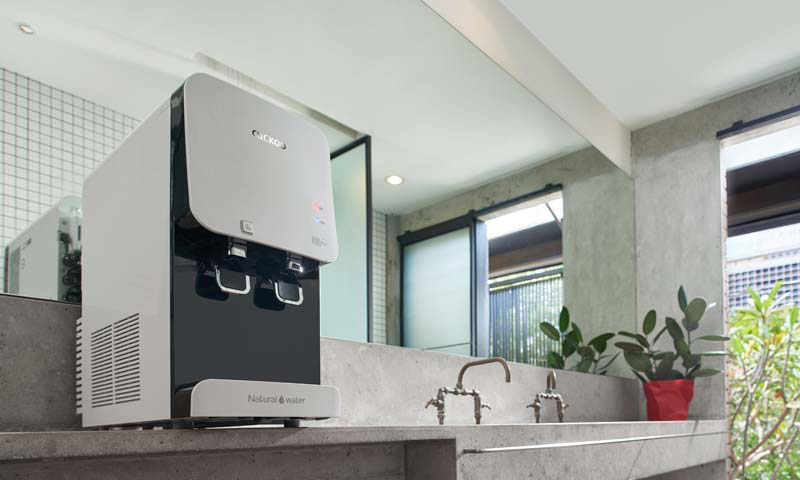 The Cuckoo water dispenser has separate hot and cold water taps and is ideal for use in the kitchen.