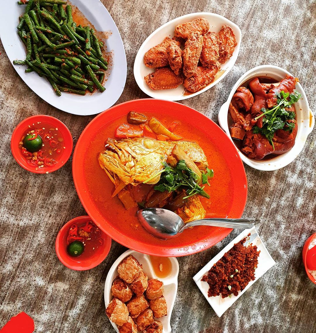 25 Places That Prove The West May Have The Best Food In Singapore