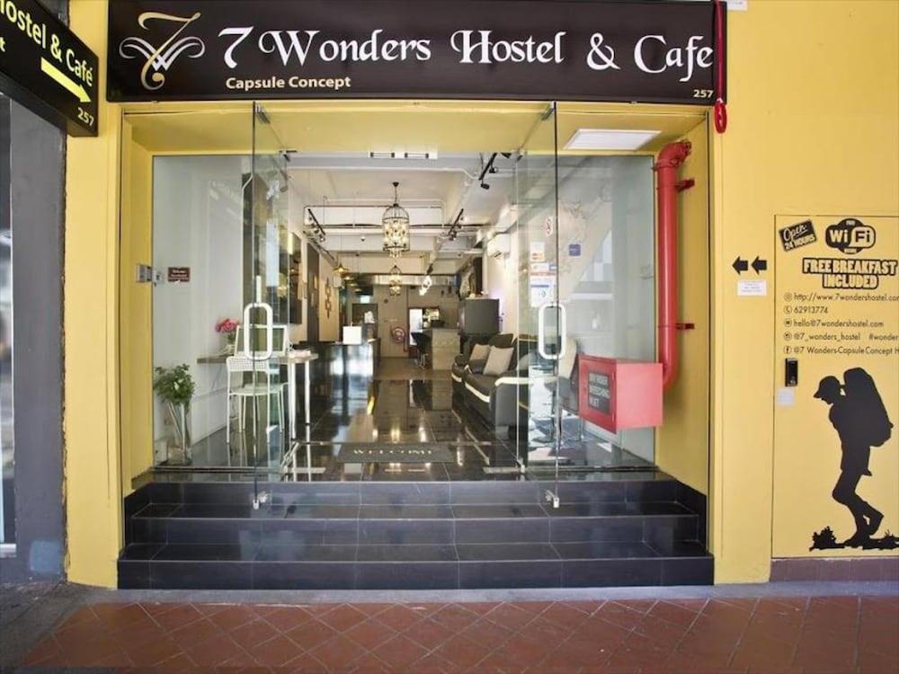 7 Wonder Hostel