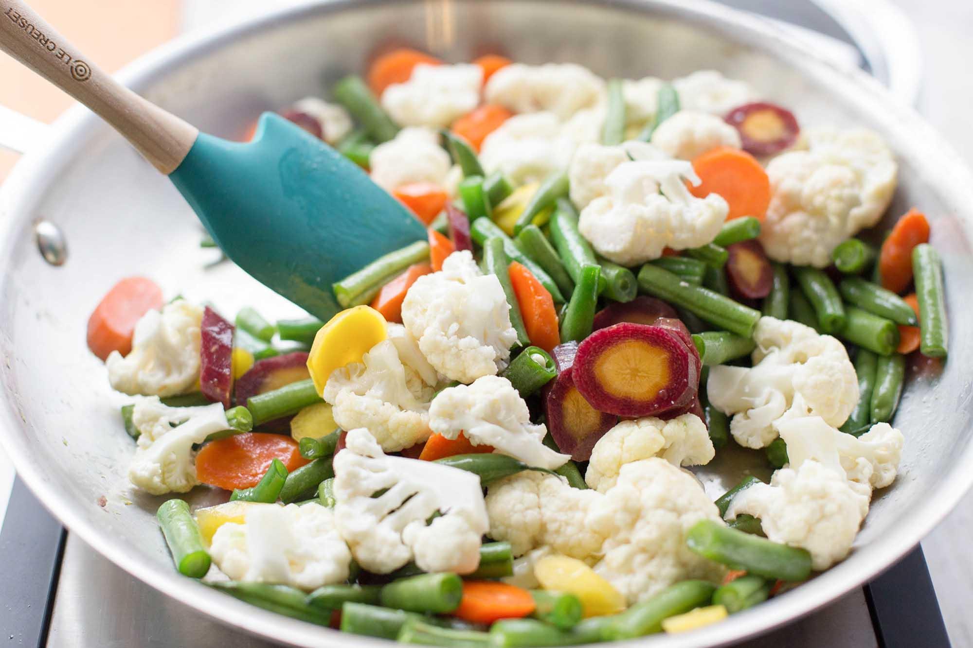 Frying wet vegetables