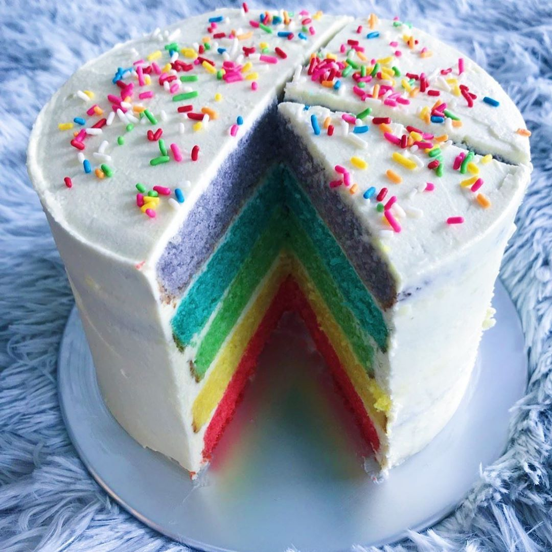 Rainbow cake with 1h delivery