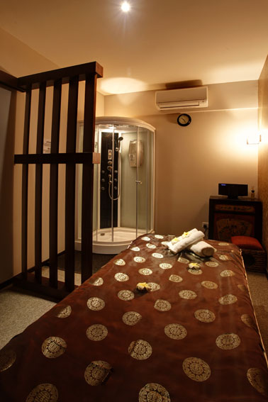 cheap massage singapore - massage bed in tang dynasty spa