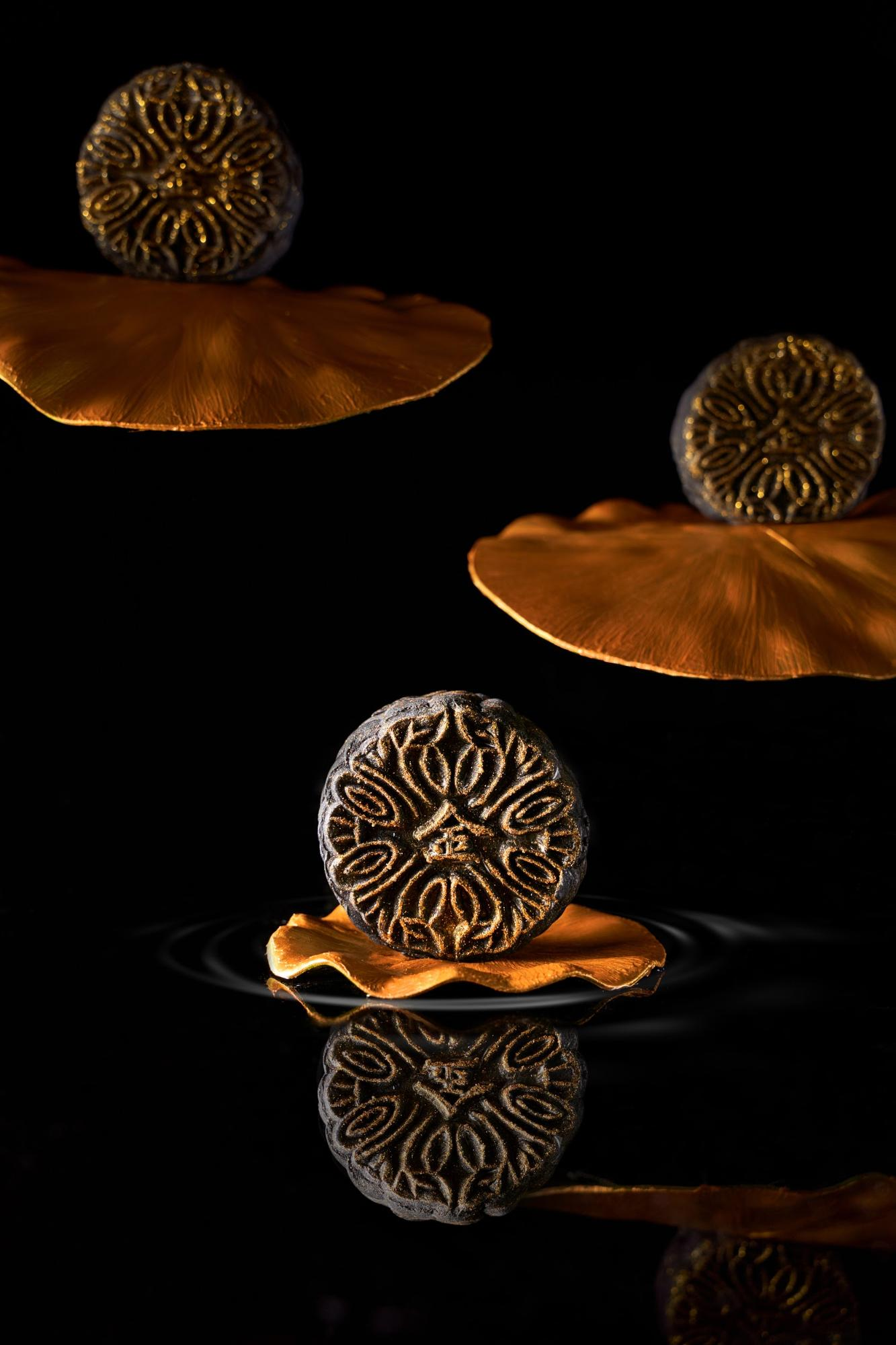 golden moments hazelnut mooncake