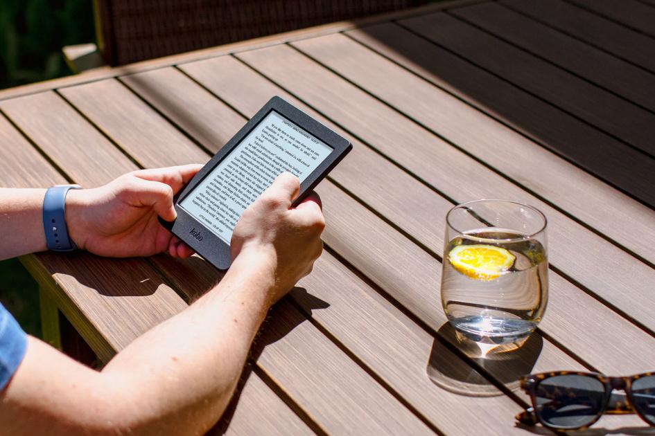 ebook reader singapore - the Kobo Nia entry level ebook reader