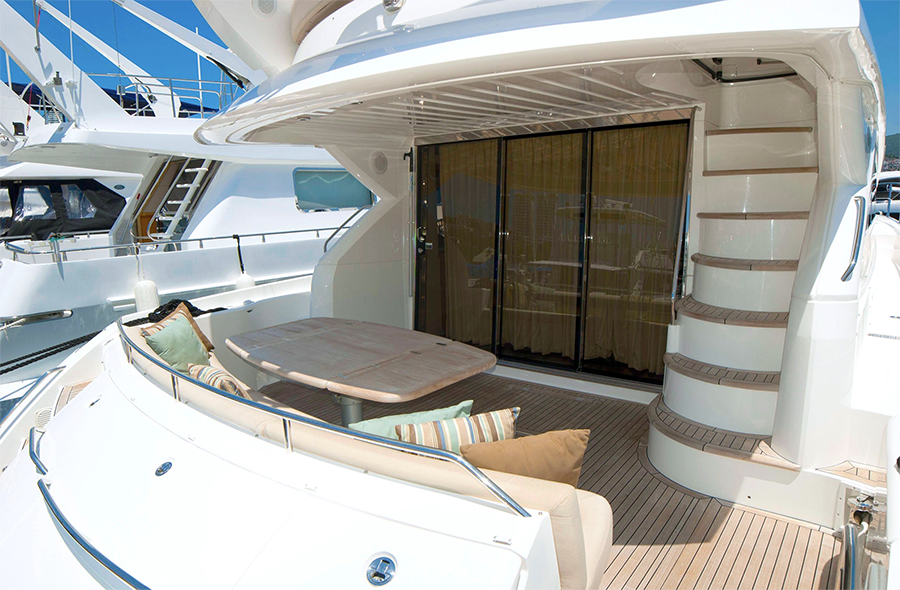 one15 yacht charter