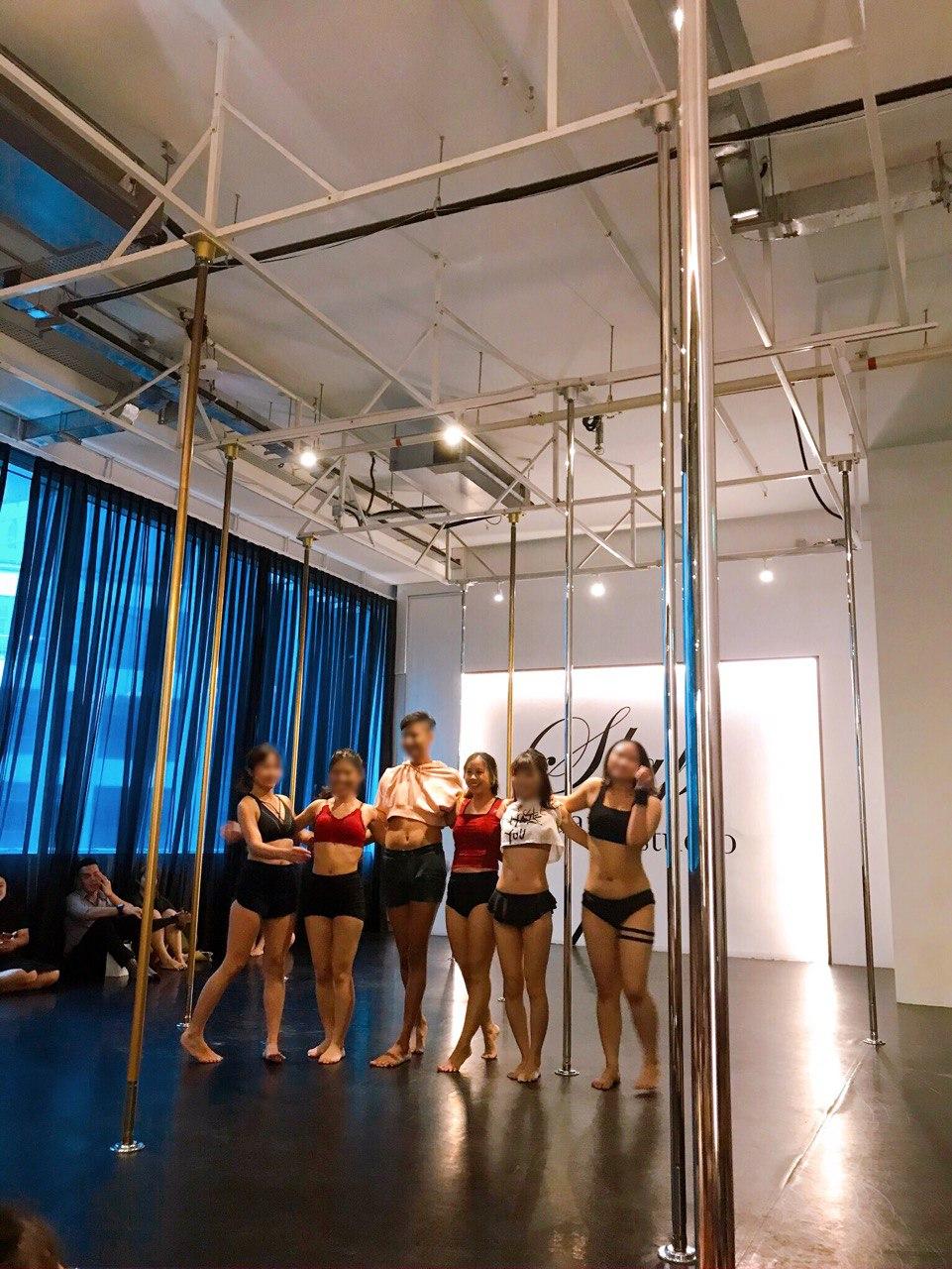 pole dance performance slap studio intro