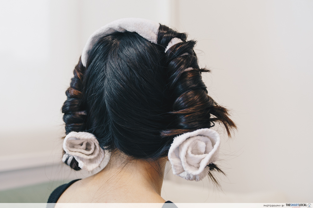 towel curls, hairstyling tips using household items