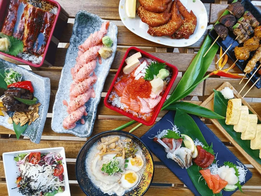 1-for-1 Chirashi, Sashimi & Unagi Don at Ikura November deal