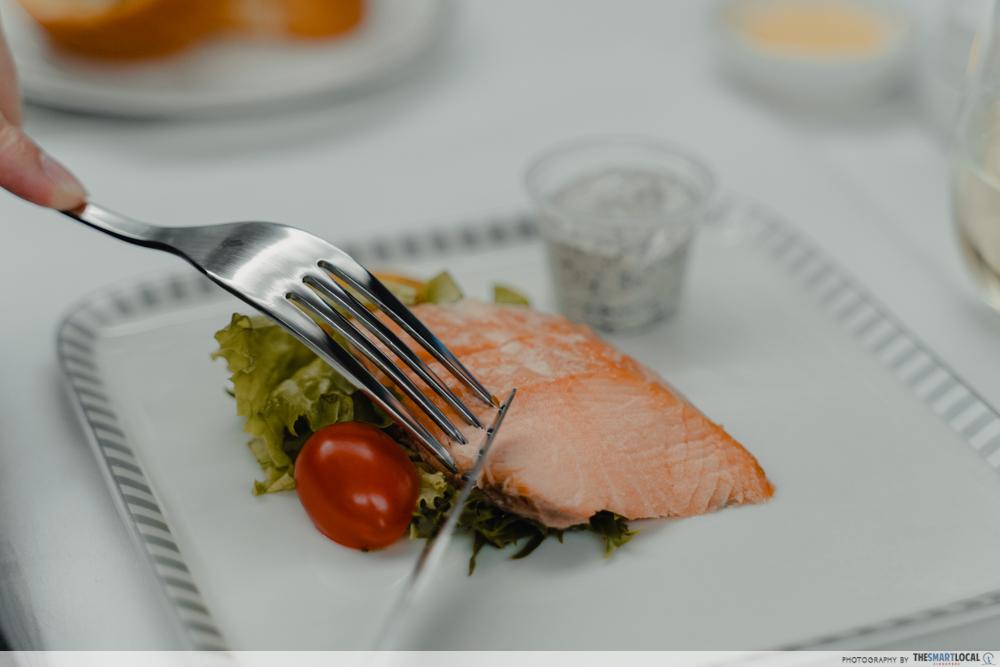 flaked smoked salmon