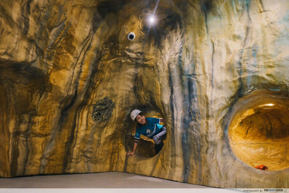Adventure HQ - Artificial cave