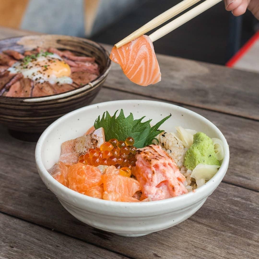 Tanuki Raw salmon bowl