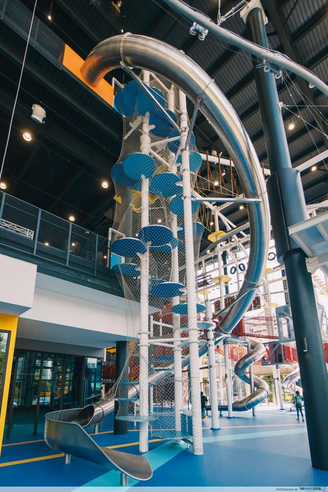 Adventure HQ - 14M slide