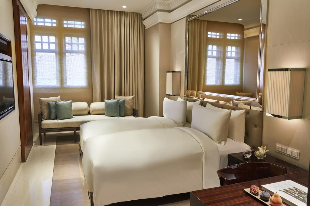capitol kempinksi deluxe king room staycation deal