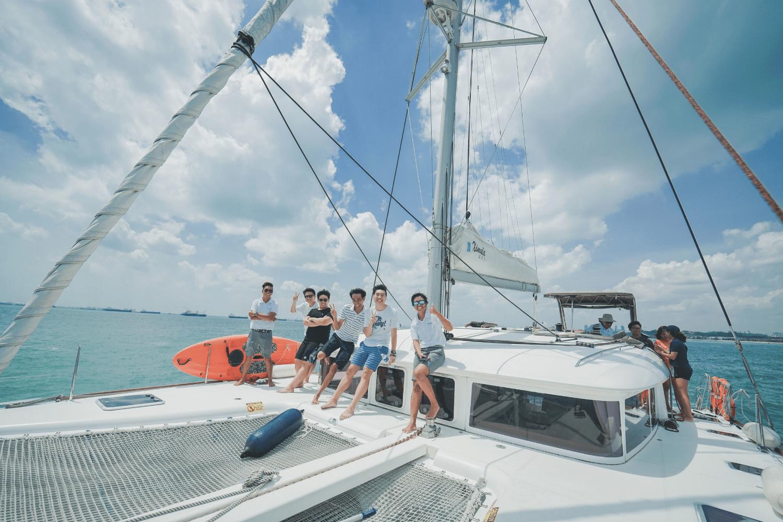 Yacht rental Singapore - The Barracks Hotel's Sea Breeze & Champagne