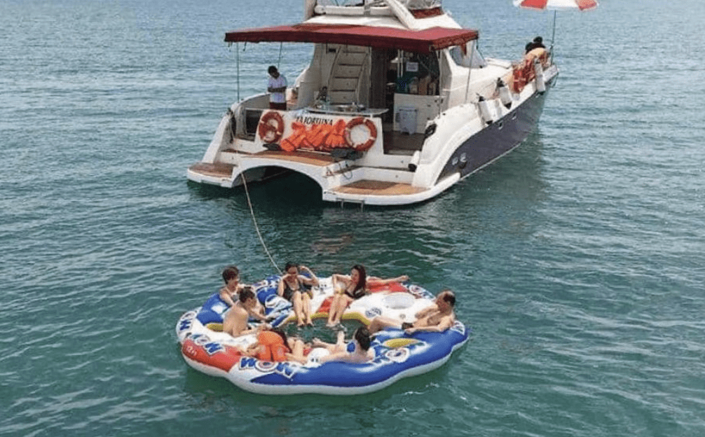 Yacht rental Singapore - RSYC's Sunset Cruise Staycation