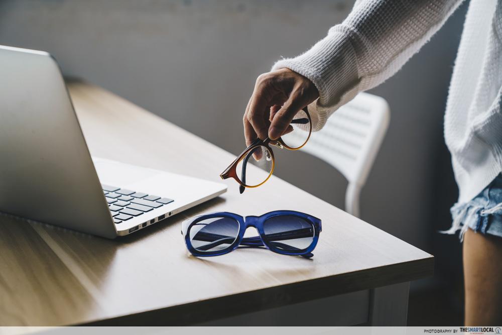not wearing sunglasses, daily eyesight mistakes