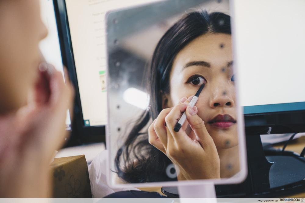 putting eyeliner on waterline, daily eyesight mistakes