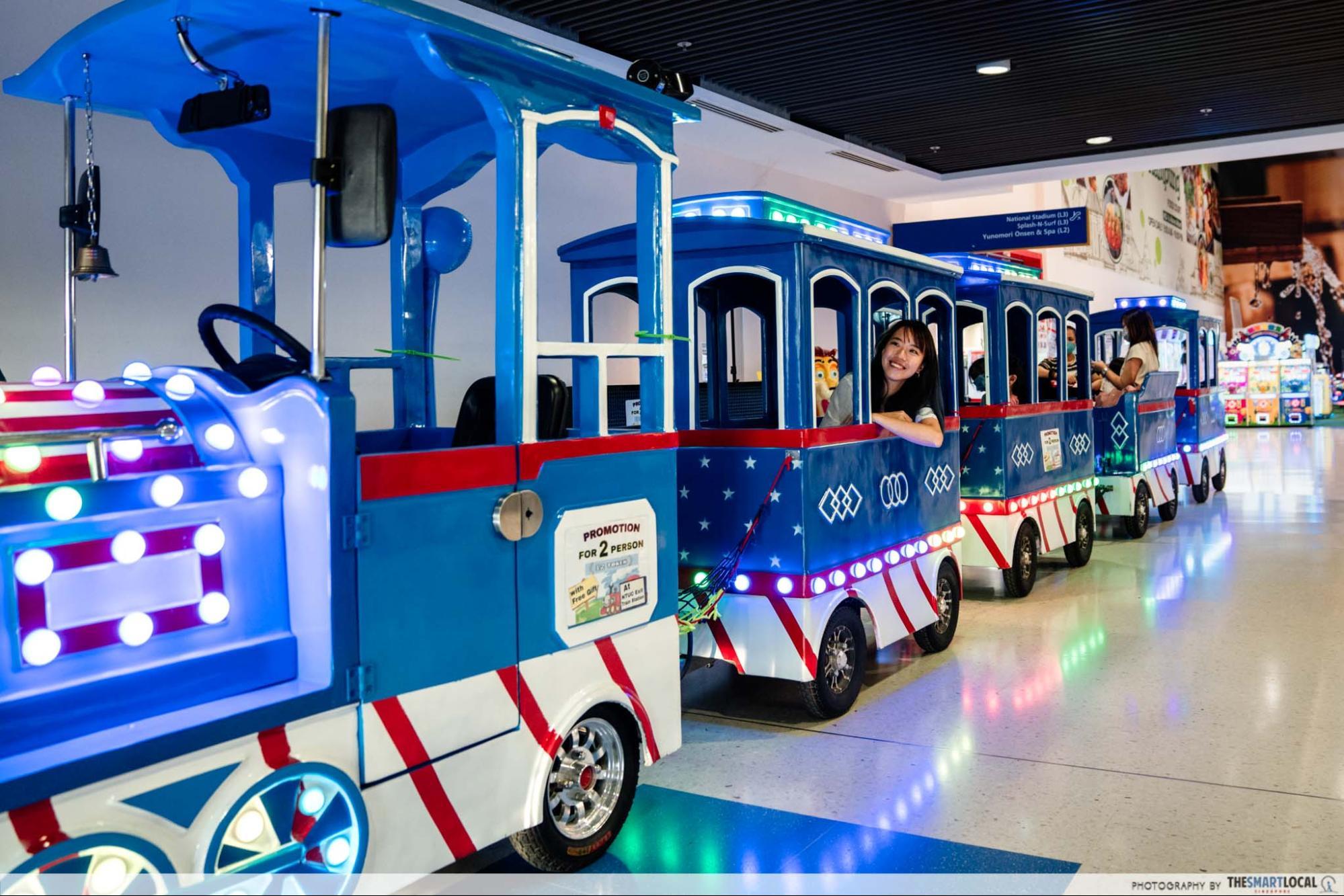 Kallang Wave Mall Christmas 2020 - Paco FunWorld