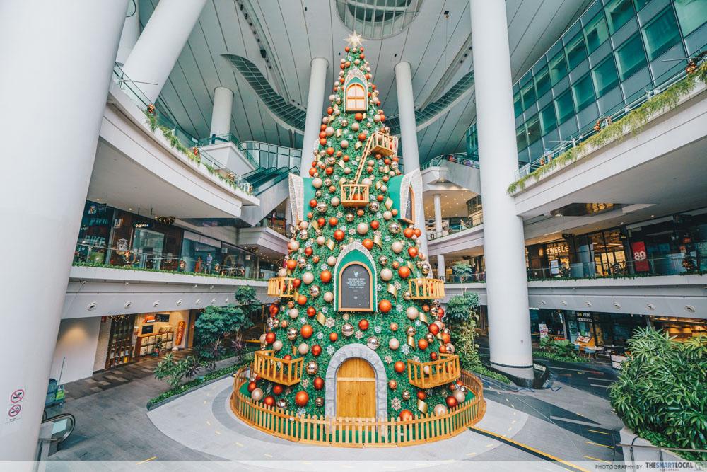 the star vista christmas tree