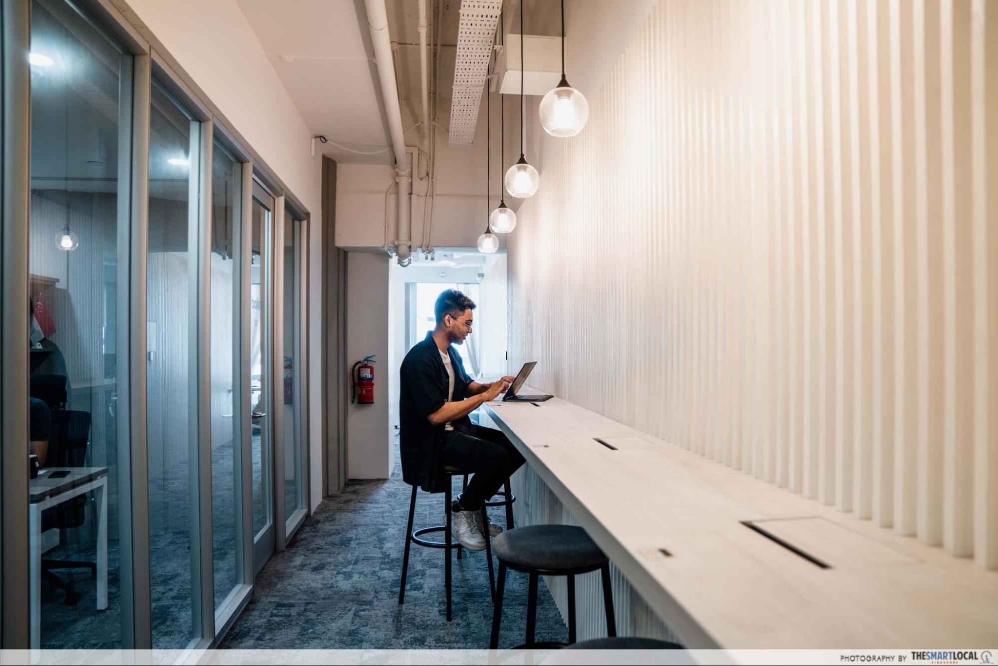 coqoons hot desking, workspaces in singapore