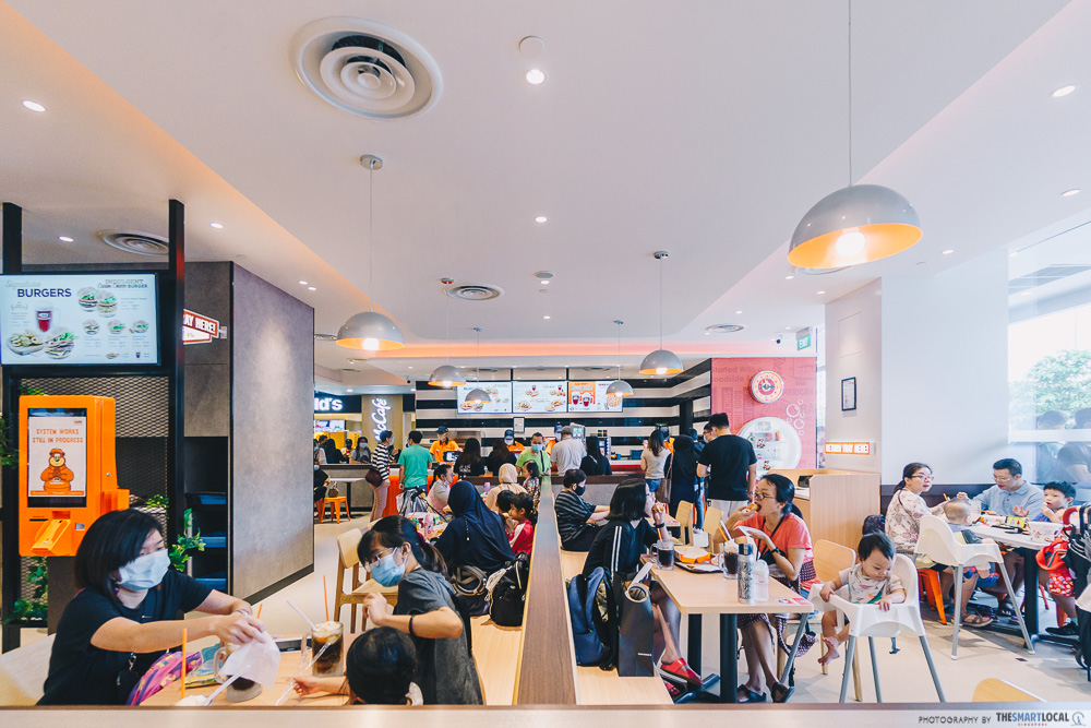 a&w to open at canberra plaza singapore