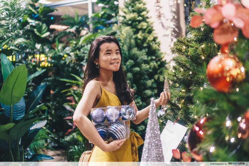 christmas gift ideas - Christmas shopping