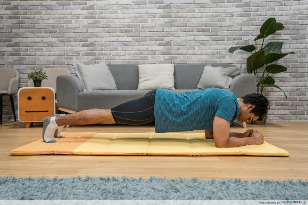 planking with a neutral back, common back pain mistakes