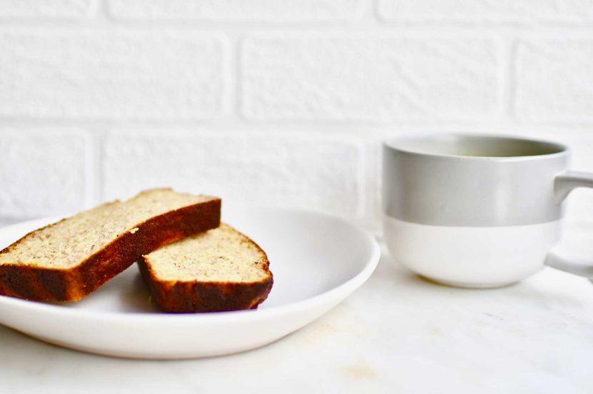 Banana bread and milk combination - food pairing to avoid