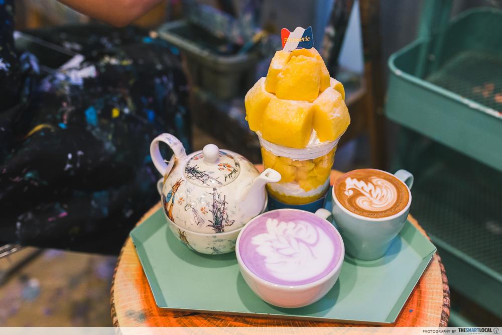 Cafe de paris - Fresh fruit bonbons, sweet potato latte