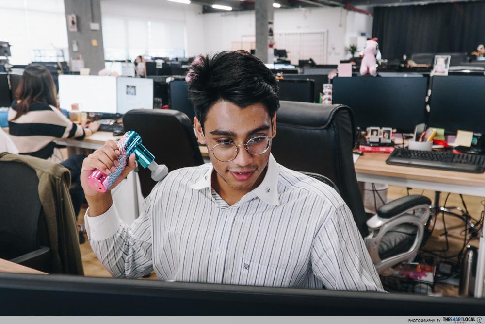 Lister Massage Gun Singapore - Office Workers