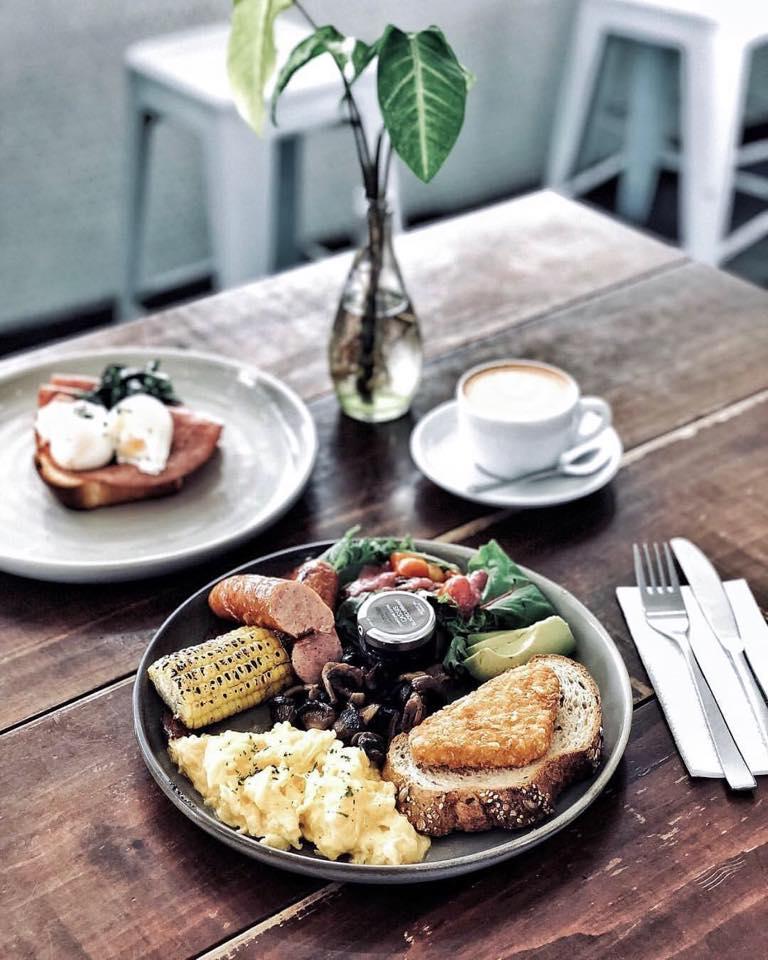 minimalist cafes singapore - Knockhouse Cafe