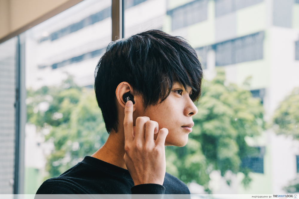 How to buy wireless earbuds - Voice assistant